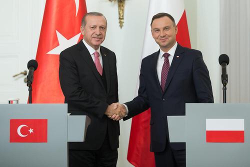 کنفرانس مشترک خبری بین روسای جمهور ترکیه و لهستان در شهر ورشو