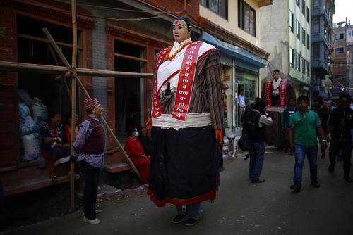 آیین های خیابانی به مناسبت جشن سال نو نپالی – کاتماندو