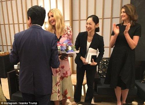 کادوی تولد نخست وزیر ژاپن به ایوانکا