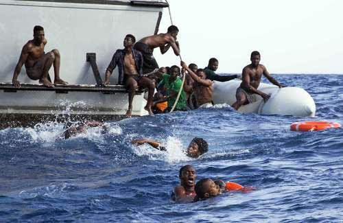 نجات پناهجویان افریقایی در سواحل مدیترانه