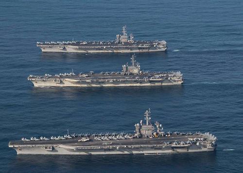حضور 3 ناو هواپیمابر آمریکایی در رزمایش مشترک با ارتش کره جنوبی در سواحل کره در اقیانوس آرام