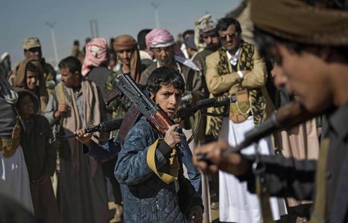 شبه نظامیان تازه پیوسته به گروه انصار الله در شهر صنعا پایتخت یمن