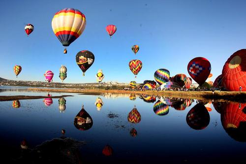 جشنواره بین المللی بالن در مکزیک