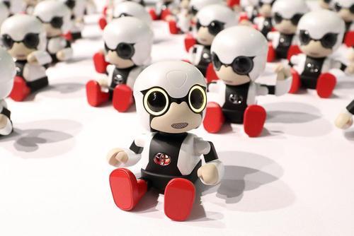 تولید انبوه روبات های کوچک 300 یورویی از سوی کمپانی خودروسازی تویوتا ژاپن