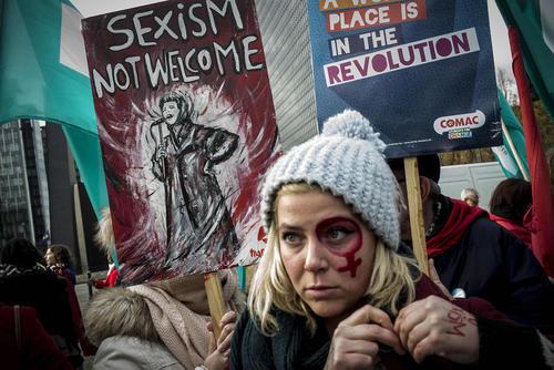 تظاهرات در روز جهانی مبارزه با خشونت علیه زنان در شهر بروکسل