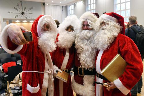 گردهمایی بابانوئل ها در برلین