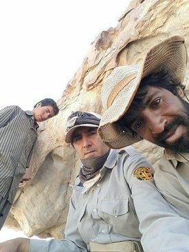 چوپانی در زردکوه یزد که با کمک حامیان نذرطبیعت صاحب دوربین عکاسی شد
