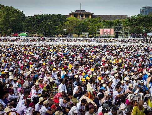 سخنرانی عمومی پاپ فرانسیس در شهر یانگون میانمار