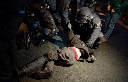 دستگیری برخی از معترضان شلوغ کار به حزب دست راستی