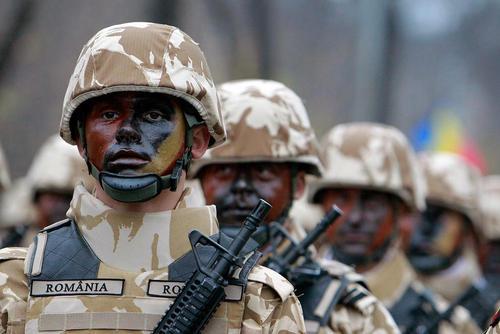 رژه ارتش رومانی در روز ملی این کشور – بخارست
