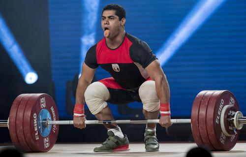 وزنه بردار مصری وزن 77 کیلوگرم، مدال طلای یک ضرب و دو ضرب مسابقات جهانی وزنه برداری در شهر آنهایم کالیفرنیا آمریکا را از آن خود کرد
