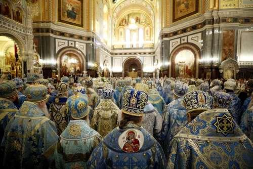 گردهمایی کشیشان کلیسای ارتدوکس روسیه در کلیسای جامع در مسکو