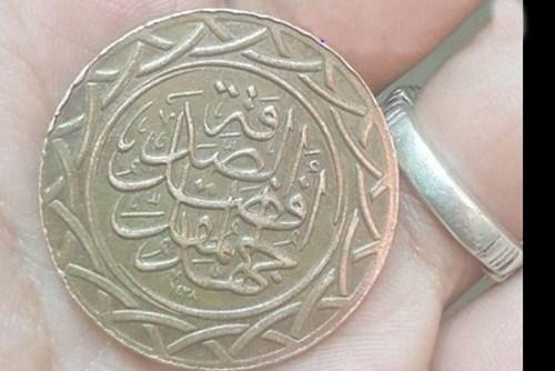 عکس کارگاه ضرب سکه داعش در دیرالزور