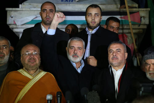گردهمایی حماس در باریکه غزه در اعتراض به تصمیم دونالد ترامپ برای انتقال سفارت خانه آمریکا از تل آویو به شهر قدس