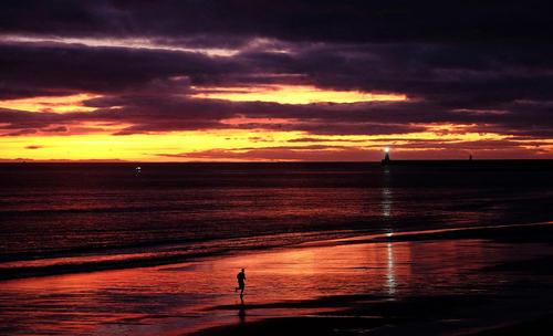 دویدن در لبه ساحل – بریتانیا