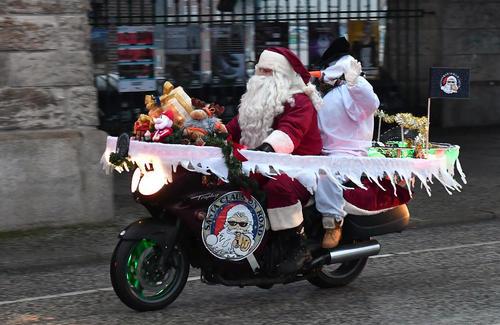 جشنواره سالانه موتورسواری بابانوئل ها در شهر برلین آلمان