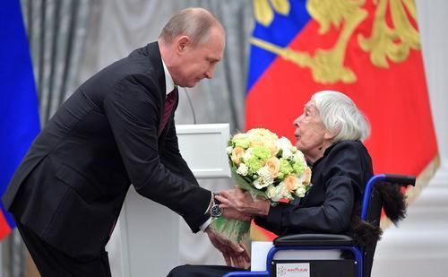 تقدیر پوتین از فعالان حقوق بشر و خیریه های روسیه – مسکو