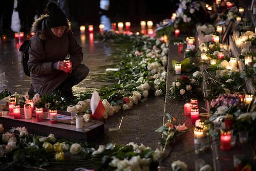 مراسم سالگرد حمله تروریستی یک فرد تونسی تبار با استفاده از یک کامیون به بازار کریسمس در برلین