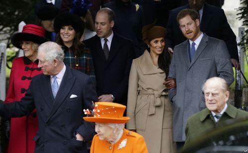 حضور خانواده سلطنتی بریتانیا در کلیسا به مناسبت کریسمس