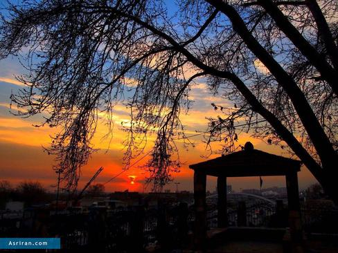 غروب آفتاب در تهران ثبت: عنايت اله برخورداري