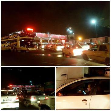 مردم تهران در صفهای طولانی پمپهای بنزین اخبار زمینلرزه را از شبکههای موبایلی پیگیری میکنند