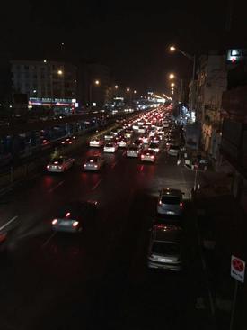 ترافیک ایجاد شده در خیابان آزادی تهران