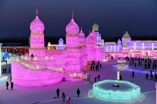 نمایشگاه سالانه سازه های برفی و یخی در هاربین چین