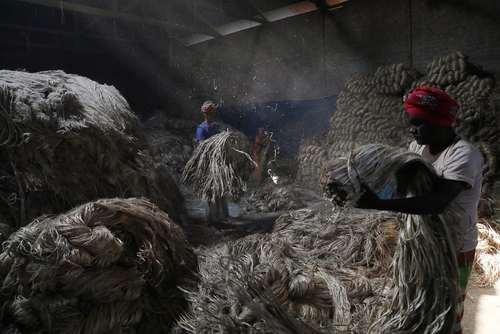 کارخانه تولید کنف هندی در داکا بنگلادش