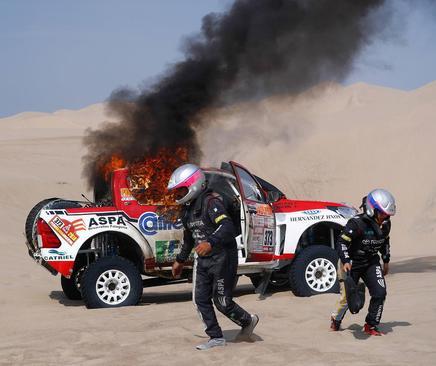 آتش گرفتن خودروی راننده آرژانتینی حاضر در مسابقات