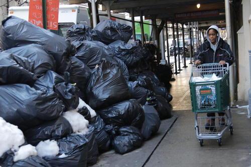 انباشت زبالهها در شهر نیویورک آمریکا