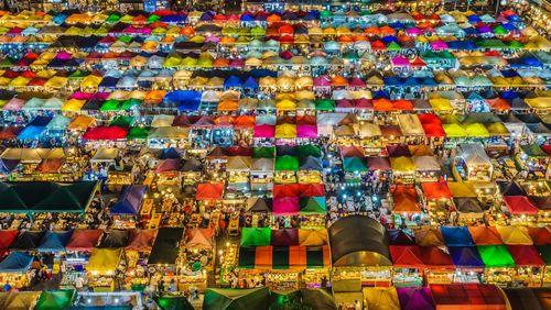 یک بازار شبانه بزرگ در شهر بانکوک تایلند- عکس روز وب سایت