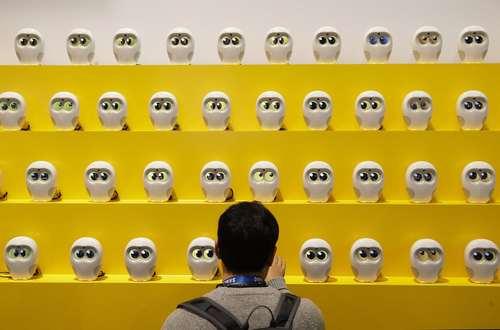روباتهای کتاب خوان در نمایشگاه سالانه لوازم الکترونیک مصرفی در لاس وگاس آمریکا