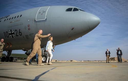بازدید وزیر دفاع آلمان – خانم اورسولا وون دِر لین – از پایگاه هوایی العسراک در اردن