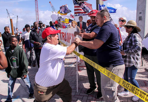 درگیری مهاجران هاییتی تبار معترض اظهارات ترامپ با گروهی از طرفداران ترامپ در منطقه