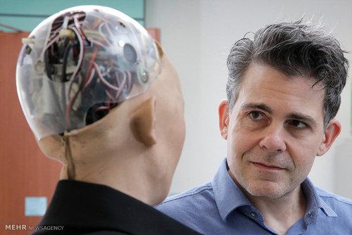 ساخت ربات های انسان نما در هنگ کنگ (عکس)