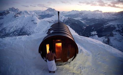 سونای خشک در دل کوههای برفی ایتالیا/عکس:رویترز