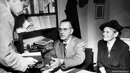 توماس مان، نویسنده مشهور آلمانی با کتاب