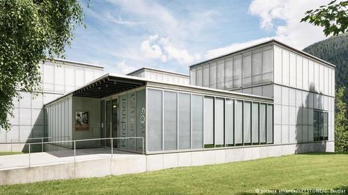 در سال ۱۹۹۲ موزه ارنست لودیک کیرشنر با کلکسیون بسیار بزرگی از آثار این هنرمند در داووس افتتاح شد که سالانه علاقمندان بسیاری را به خود جلب میکند.