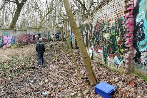 باقی ماندن حدود 80 متر از بقایای دیوار سابق جدا کننده دو بخش شرقی و غربی برلین – منطقه جنگلی پانکو در شهر برلین