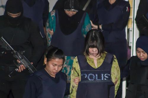 ورود مظنونان به قتل – ترور بیولوژیک - برادر بزرگ و ناتنی رهبر کره شمالی به دادگاه محاکمه در شهر کوالالامپور مالزی