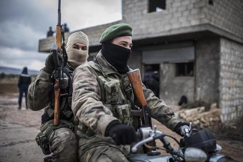 شبه نظامیان طرفدار ترکیه عضو نیروهای موسوم به