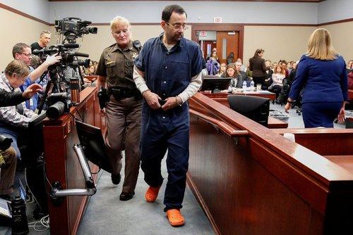 لری نصار در جلسه دادگاه