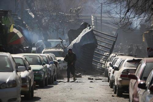 حمله انتحاری دیگر در مرکز شهر کابل. نزدیک به 100 نفر کشته و بیش از 170 نفر مجروح شدند.