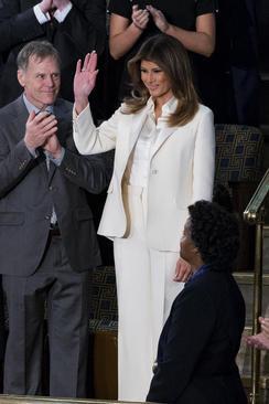 ملانیا ترامپ بانوی اول آمریکا در نخستین نطق سالانه همسرش در کنگره آمریکا – واشنگتن