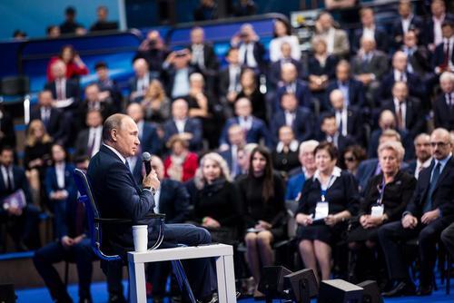 سخنرانی پوتین در جمع اعضای ستاد انتخاباتی خود – مسکو