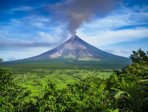 فعالیت کوه آتشفشانی- فیلیپین