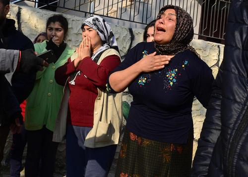کشته شدن یک دختر نوجوان ترکیهای در حمله راکتی از خاک سوریه در تلافی حمله زمینی ارتش ترکیه به شمال سوریه- شهر مرزی ریحانلی ترکیه