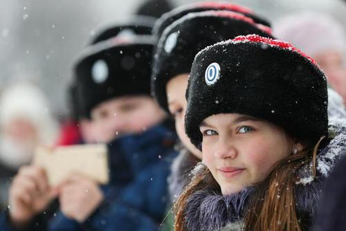 دانشجویان دانشگاه افسری روسیه در مراسم ویژه یکصدمین سالگرد تاسیس ارتش سرخ شوروی در شهر ایوانوو/عکس: خبرگزاری روسی ایتارتاس