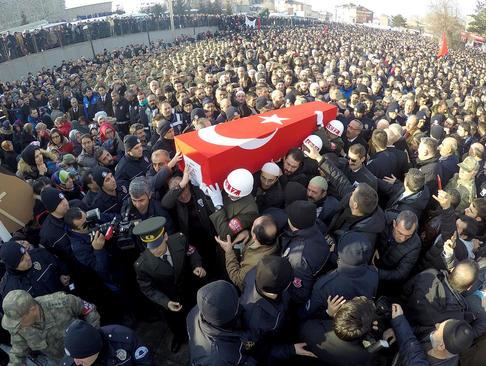 تشییع پیکر یک سرباز ترکیهای کشته شده در عملیات نظامی در شمال سوریه- شهر ارزروم