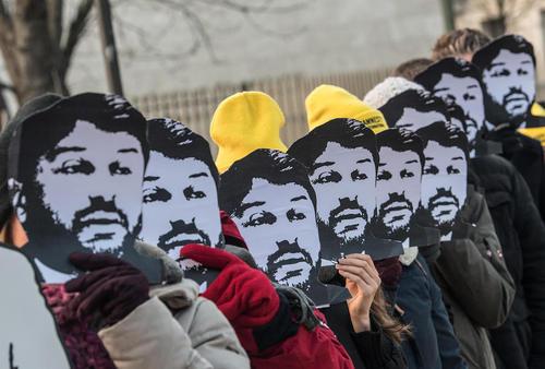تظاهرات فعالان حقوق بشر در مقابل سفارتخانه ترکیه در شهر برلین در اعتراض به دستگیری یک فعال حقوق بشر در ترکیه